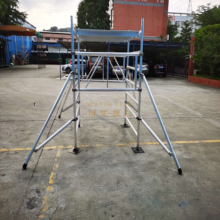 Rolling Mobile Tower Foldable scaffolding